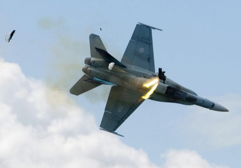 ejection-f18-crash
